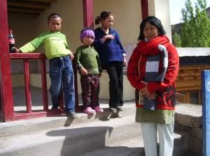 1 leh orang-orang Tibet foto bersama alchi